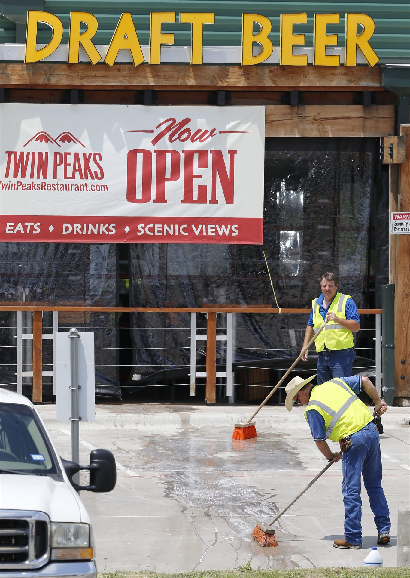 Bars, restaurants that cater to motorcycle clubs reconsider