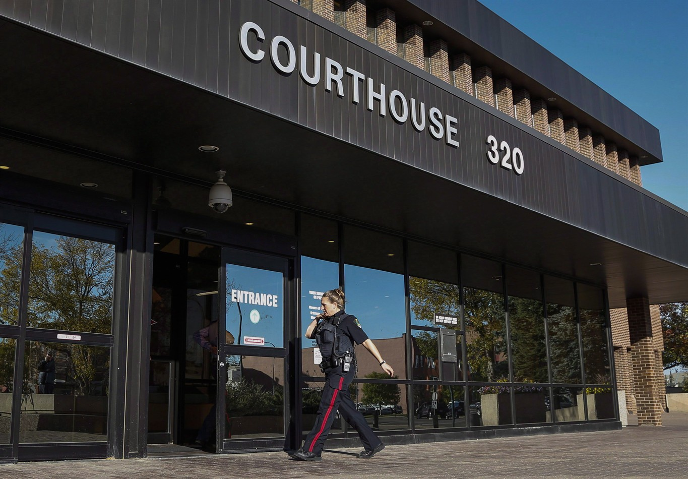 Guilty plea expected on 1st day of Lethbridge triple murder trial
