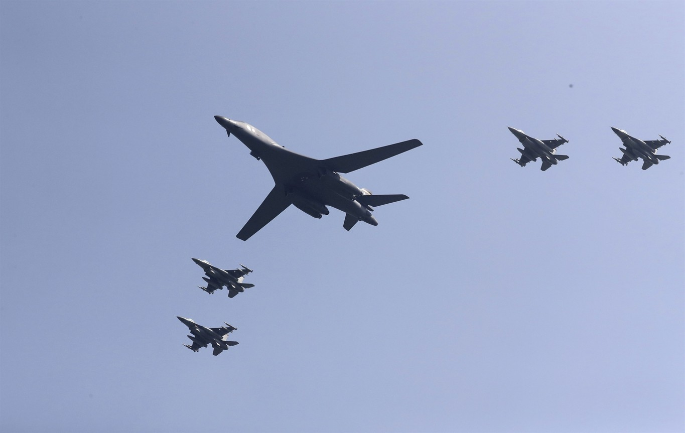 United States bombers train over S. Korea in face of North's 'unacceptable threat'