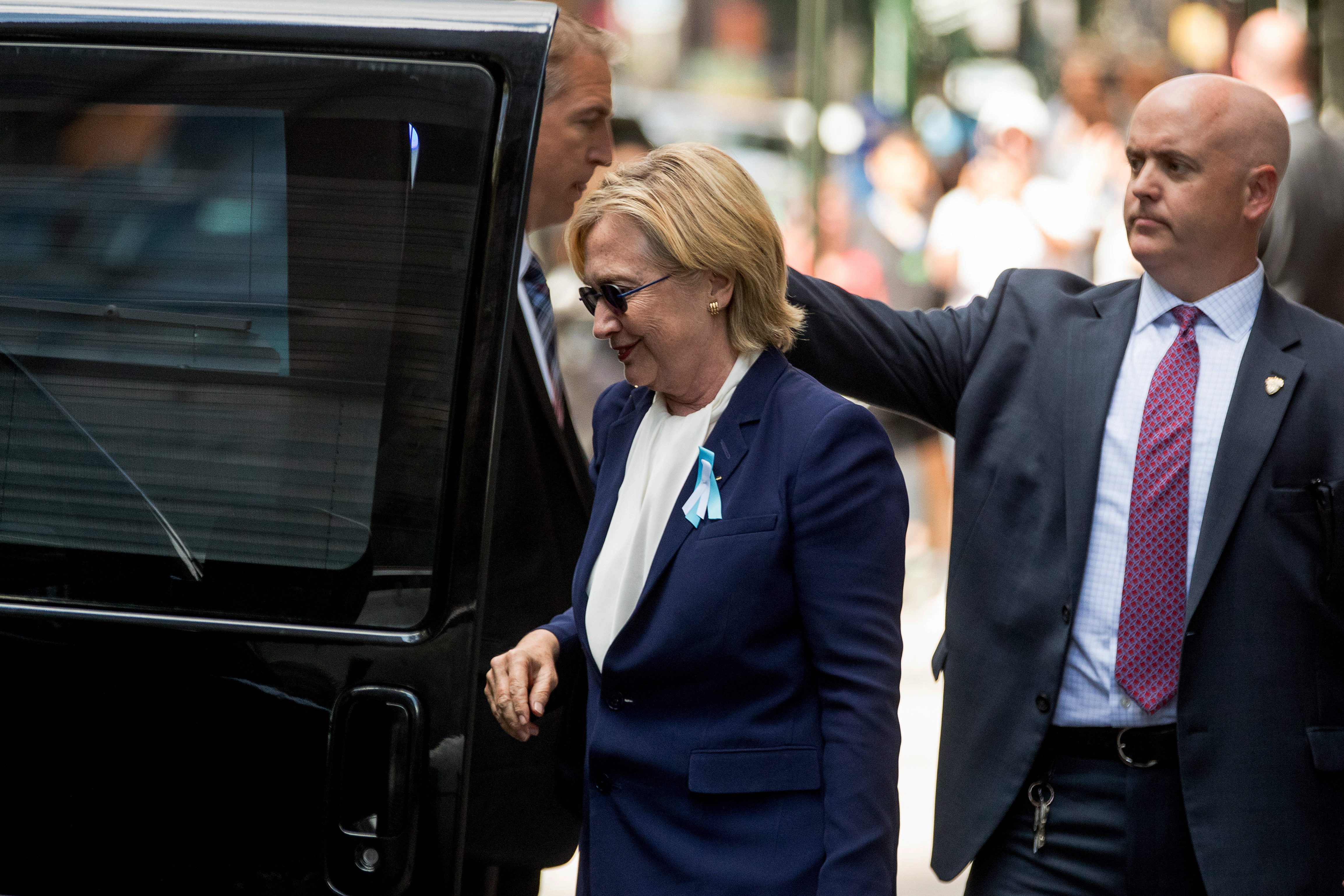 Doctors: Pneumonia is serious but Clinton should bounce back