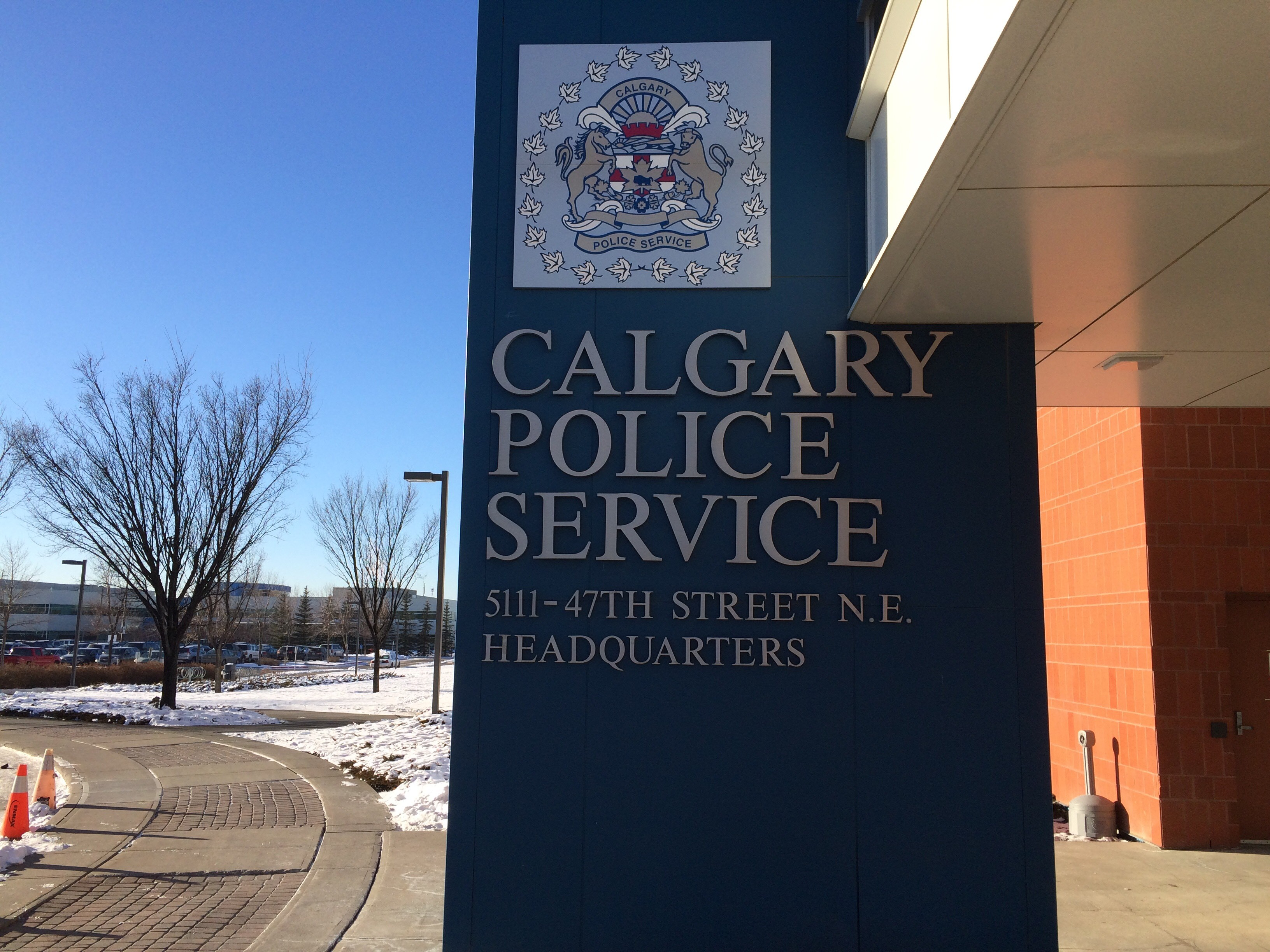 Two people robbed outside Calgary shopping centre