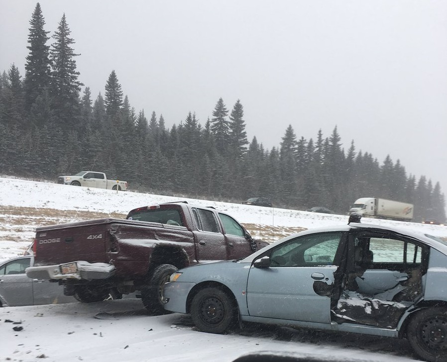 At least two injured in multi-vehicle pile-up west of Calgary