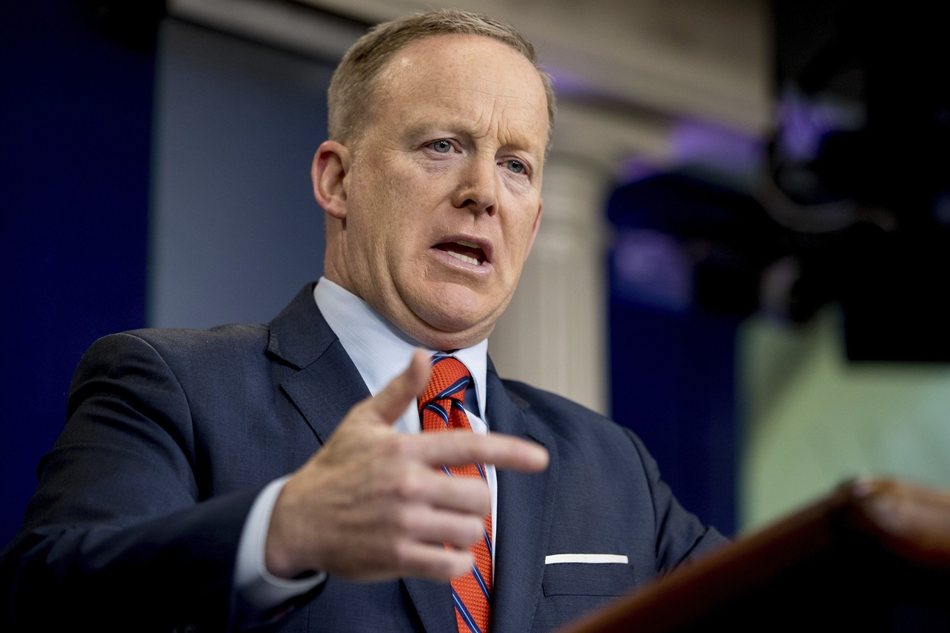 Germany on Spicer: Nazi parallels lead to 'nothing good'