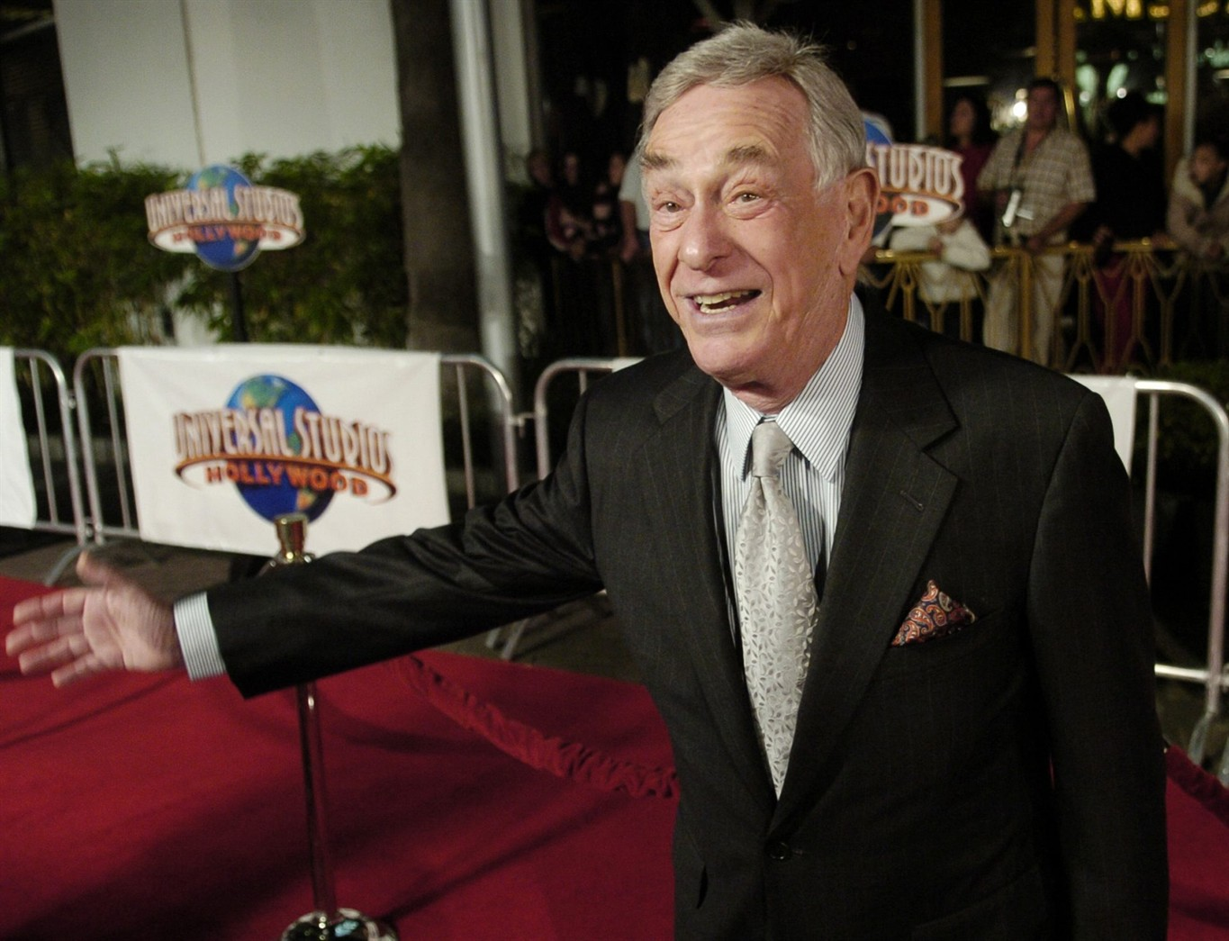 Shelley Berman, stand-up and Curb Your Enthusiasm alum, dies at 92