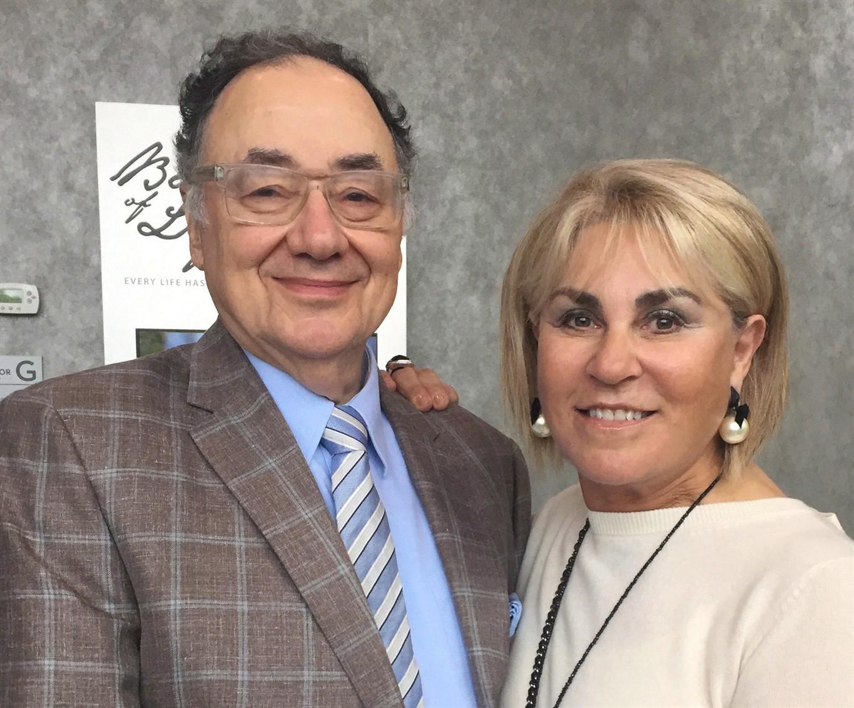 Family of Toronto billionaires found dead funding probe