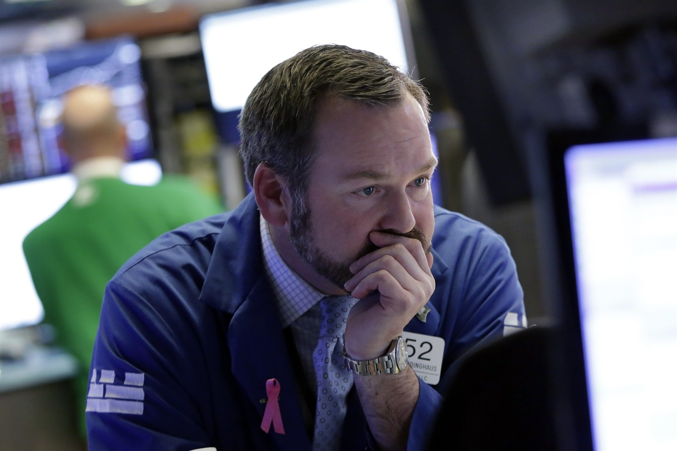 After lower open, US stocks bounce back after Monday plunge