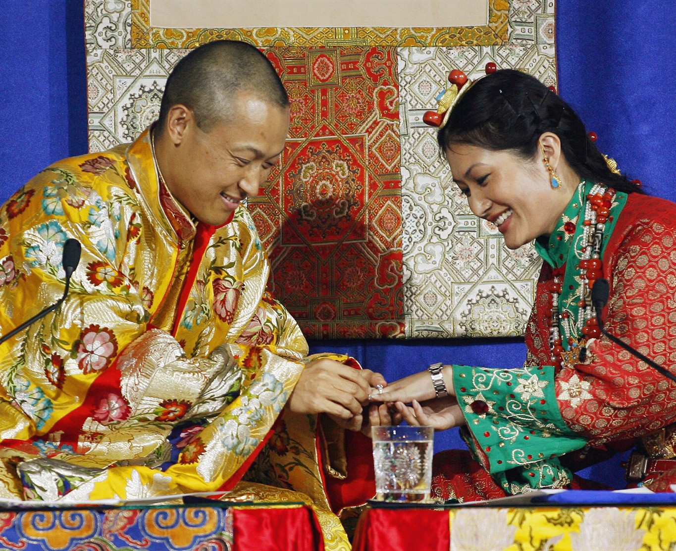 Marriage in Buddhism: a selection of sites