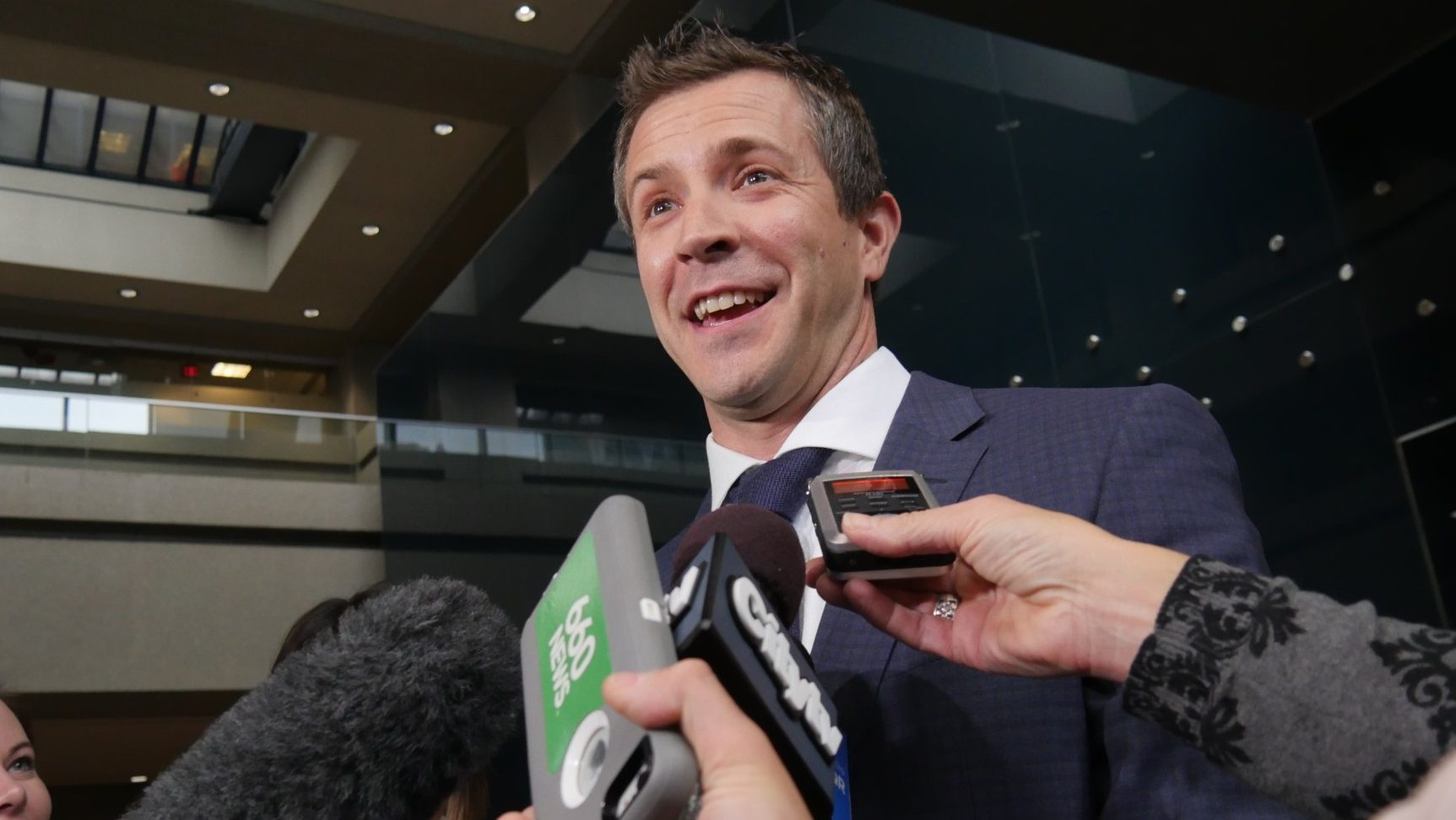 Concerns about third-party advertiser swirl around Calgary mayoral candidate