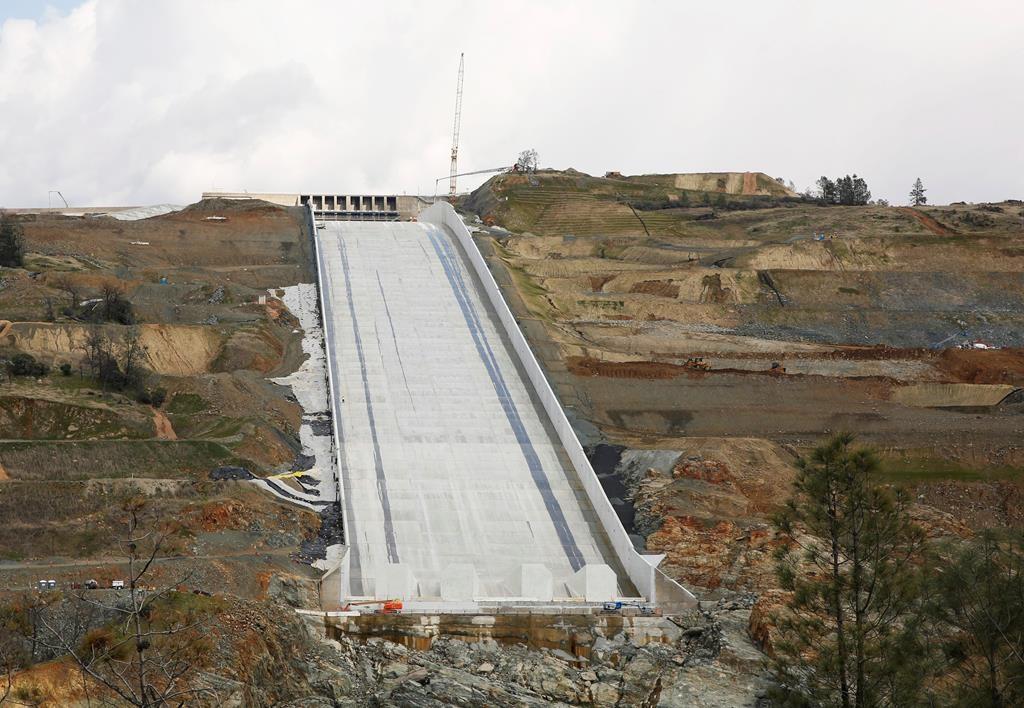 1st use of California dam's rebuilt spillway anticipated