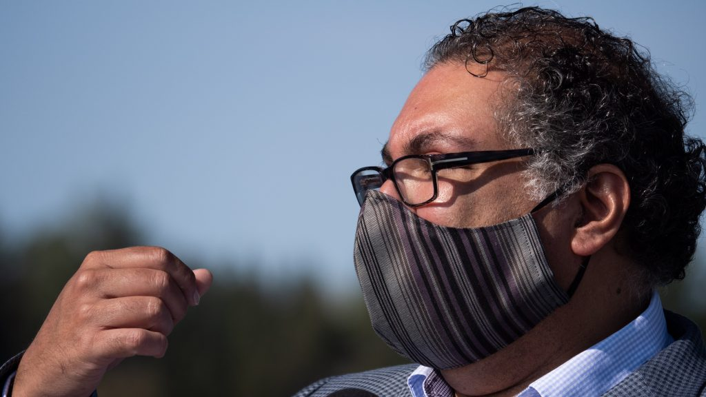 'It all feels too much': Hate, division growing, says Nenshi